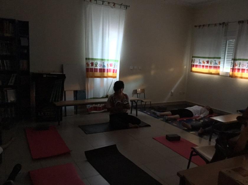 Acabados ejercicios, escucha y meditación